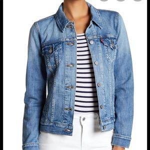 Levi's boyfriend trucker jacket small